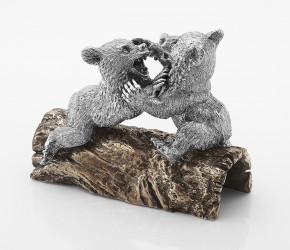 Медвежата на бревне